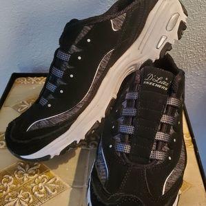💥Sketchers D'Lites Ladies Sneakers, SZ 10